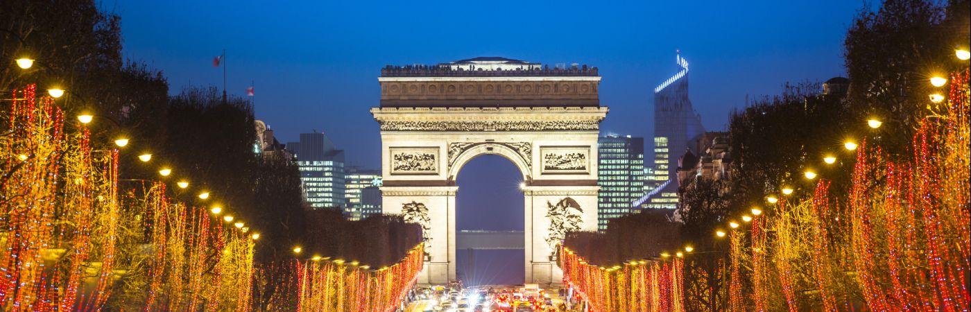 Les Champs Elysées et l'Arc de triomphe à Noël